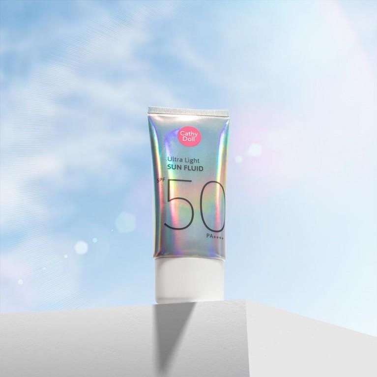 Ultra Light Sun Fluid SPF50 PA++++ 40ml Cathy Doll (Y2020) FREE UV ALERT SUN SERUM CUSHION SPF50 PA+++ 15G CATHY DOLL